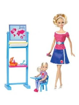 Barbie maestra studenti
