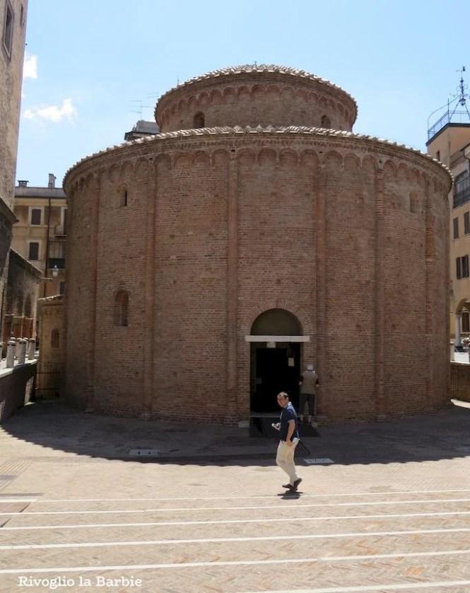 rotonda di san lorenzo Mantova esterno