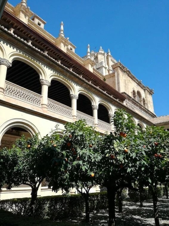 monasterio de san jeronimo granada patio