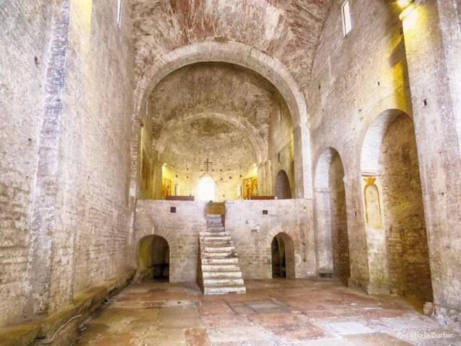abbazia san vincenzo al furlo