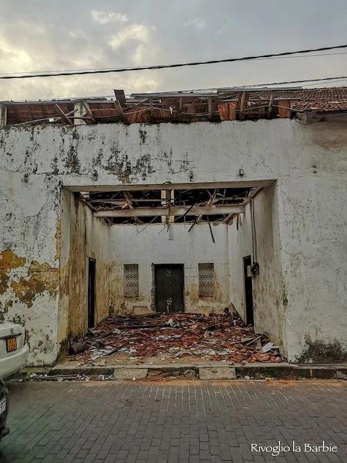 edificio distrutto