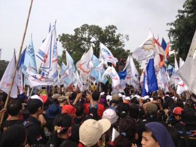 Demo buruh di Istana