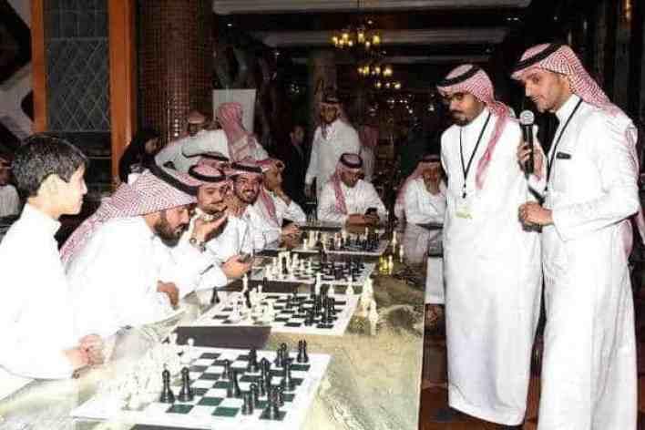 إعلاميو ومشاهير التواصل الاجتماعي يواجهون أبطال الشطرنج برعاية المستضيف مطعم لي شاتو بالرياض