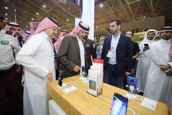 """هواوي السعودية شريك الهواتف الذكية في ملتقى """"ألوان السعودية"""""""