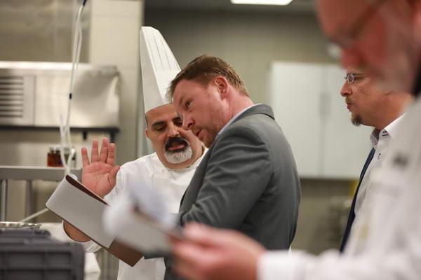 هيلتون الرياض يجمع أبرز الطهاة لترشيحهم لمسابقة عالمية