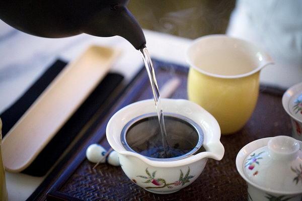 استمتع بتجربة فن صنع الشاي و الكوكتيل في ياواتشا ماستر كلاس