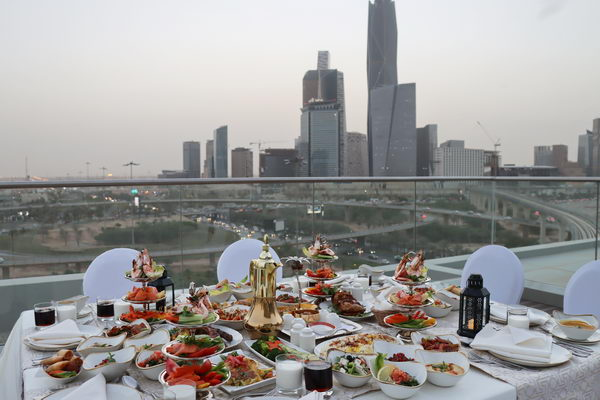 استمتع بتجارب إفطار رمضانية مميّزة رحاب فندق كورت يارد الرياض الدائري الشمالي
