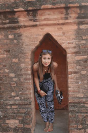 On marche pieds-nus dans les temples birmans