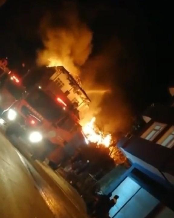 Ardeşen'de korkutan yangın