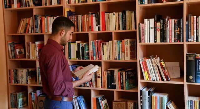 أفضل 10 مكتبات في الرياض لبيع الكتب