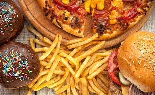 الأطعمة التي تسبب ظهور حب الشباب على البشرة