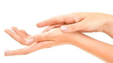 صورة 8 من العلاجات المنزلية لجعل اليدين ناعمة