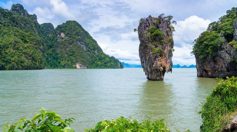 5 Best Places to visit near Thailand