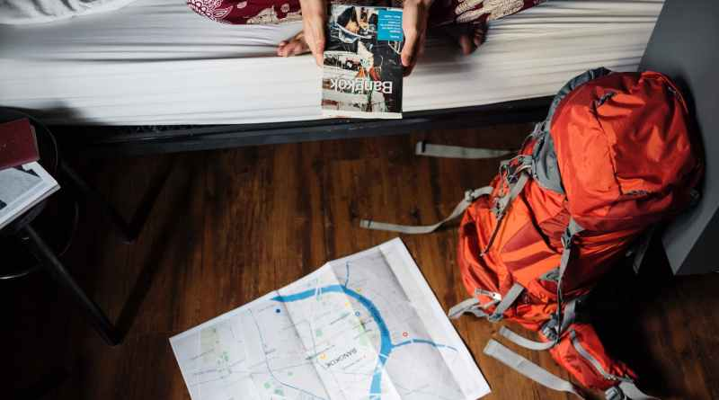 7 Vacation Essentials to Carry | Backpack Checklist