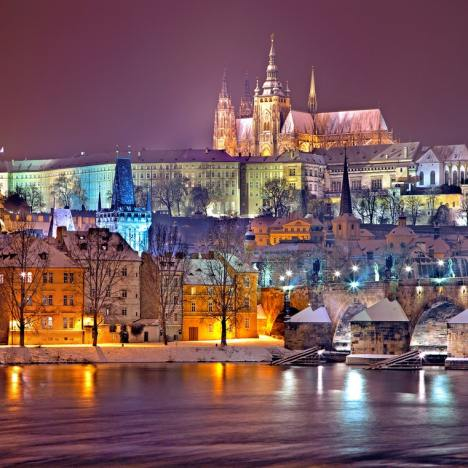 Hotels, Hostels and Apartment Budget & Reviews in Krakow and Prague