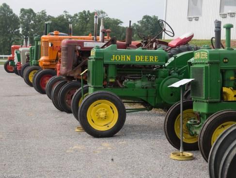 antique-tractors-2