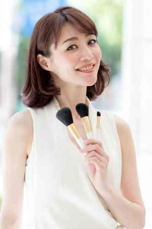 在ロサンゼルスの日本人女性のための眉毛セミナー