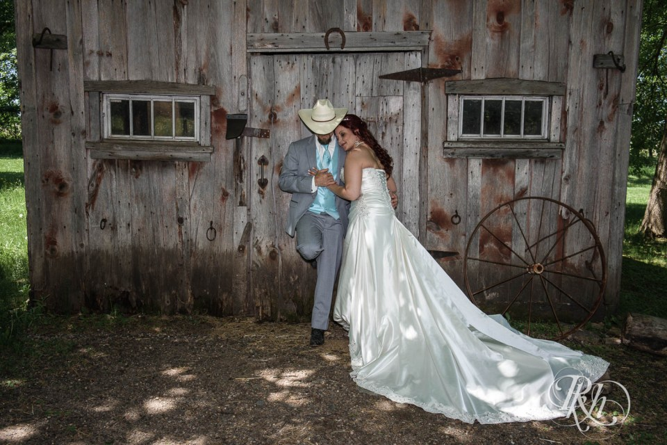 Rustic wedding cowboy hat groom