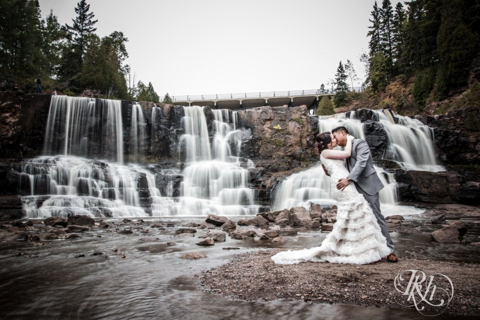 bride and groom Gooseberry Falls Two Harbors