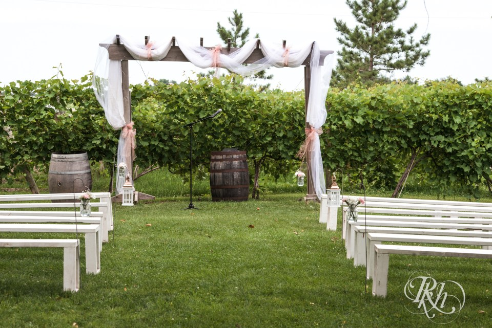 Next Chapter Winery outdoor ceremony