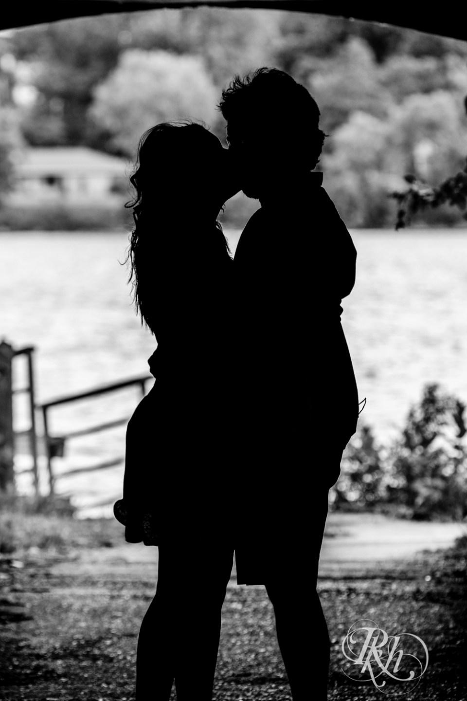lake phalen engagement photography
