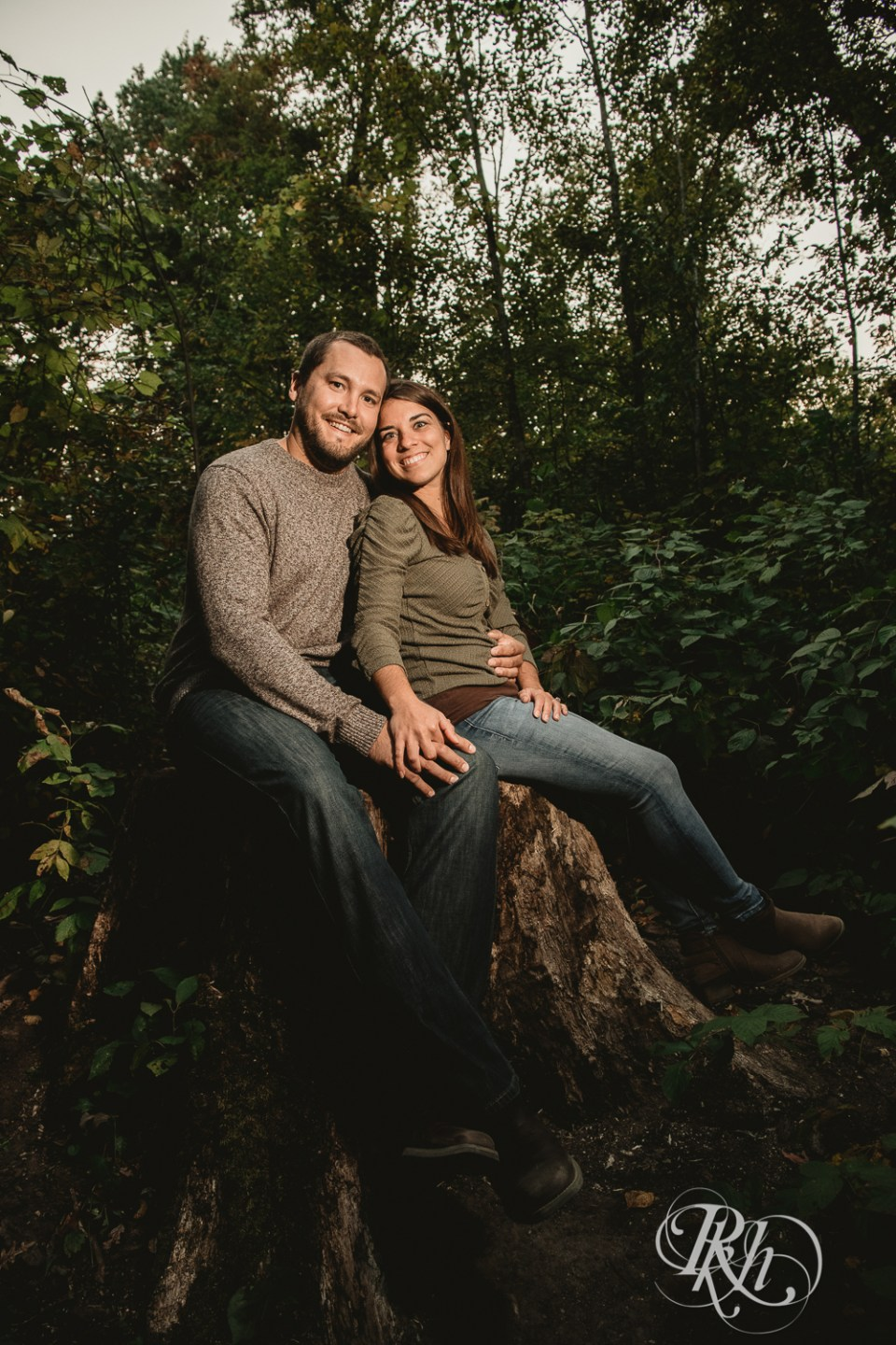 engagement photography golden hour in forest