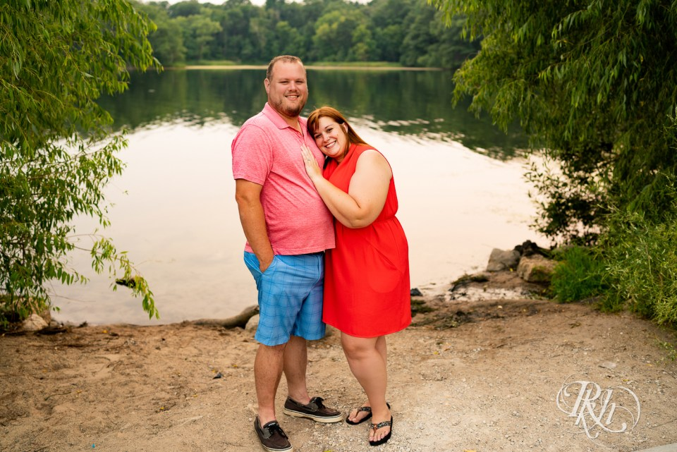 summer engagement photography by lake