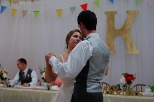 A lovely shot of the bride and groom that I creepily pilfered from someone's Facebook