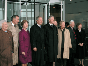 2004_Presidents_and_Wives_Clinton_Library_Opening