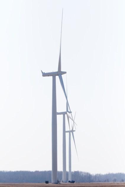 Éoliennes sur la route 3