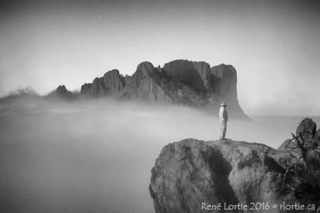 Le paysage au-dessus des nuages du Lost Mine Trail- Fantastique