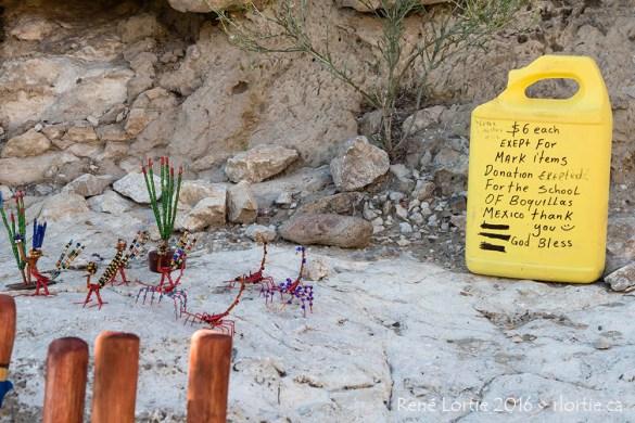 Artisanat mexicain aperçu le long du sentier de Rio Grande Village