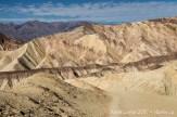 Paysage de Death Valley sur les sentiers Golden Canyon et Gower Gulch