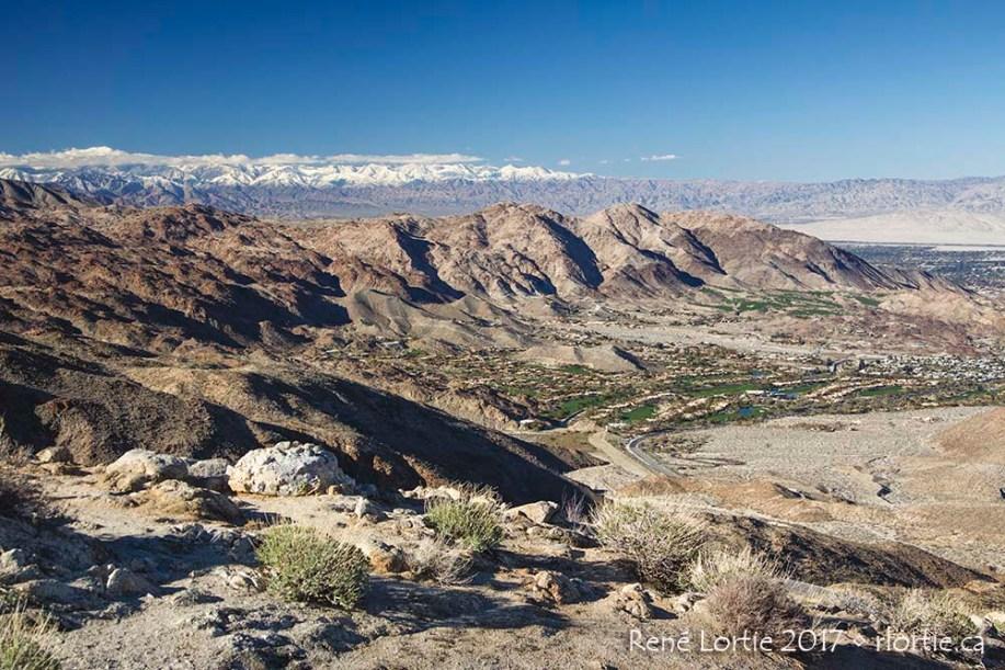 En route vers Joshua Tree, on traverse ces montagnes via une route panoramique assez impressionnante