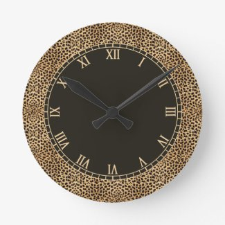 Leopard Spots Skin with Roman Numbers Round Clock