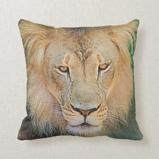 Lion Graphic Pillow