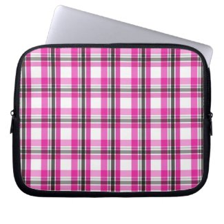 Pink and black plaid pattern laptop sleeve