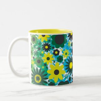 Psychedelic 60s Red Green Flowers Pattern mug