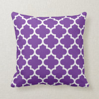 Purple & White Quatrefoil Pattern Pillow