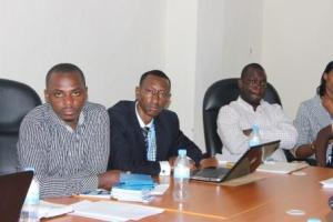 Online Journalists and RMC staff in a meeting