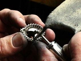 hand-polishing-jewelry.jpg