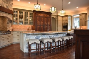 Fixed Kitchen Island in an Old World Style Kitchen