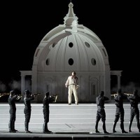 """E avanti a lui tremava tutta Roma"" - Tosca a Caracalla."