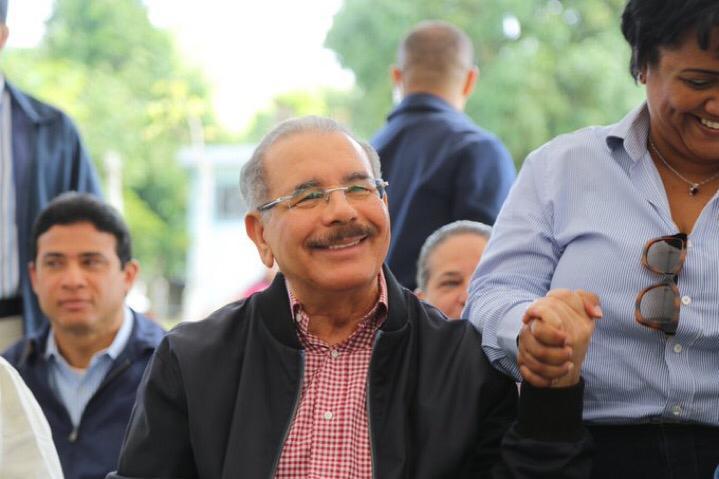 Visita-Sorpresa-235-Danilo-Medina-regresa-a-Higüey-apoya-a-productores-de-cerdos.-NOTIGRAFICAS.COM_