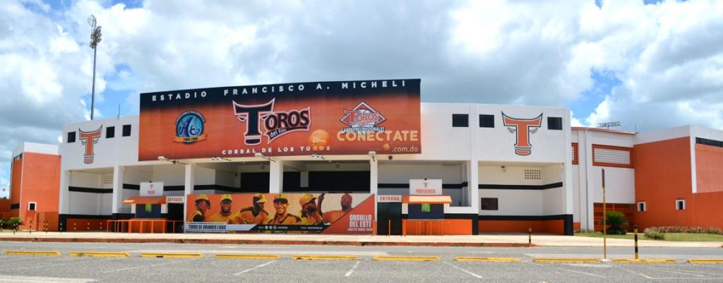 Vista frontal del Estadio Francisco Micheli, de La Romana. (Foto: Fuente Externa)