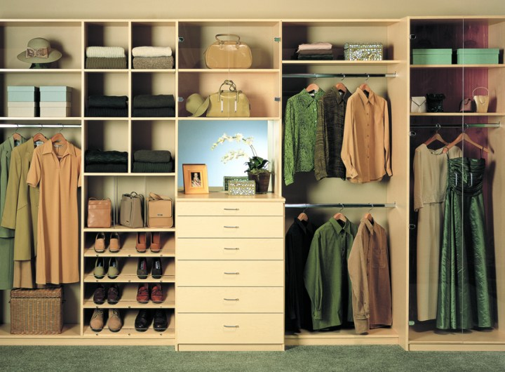 Closet-Organizers-by-overshareshow