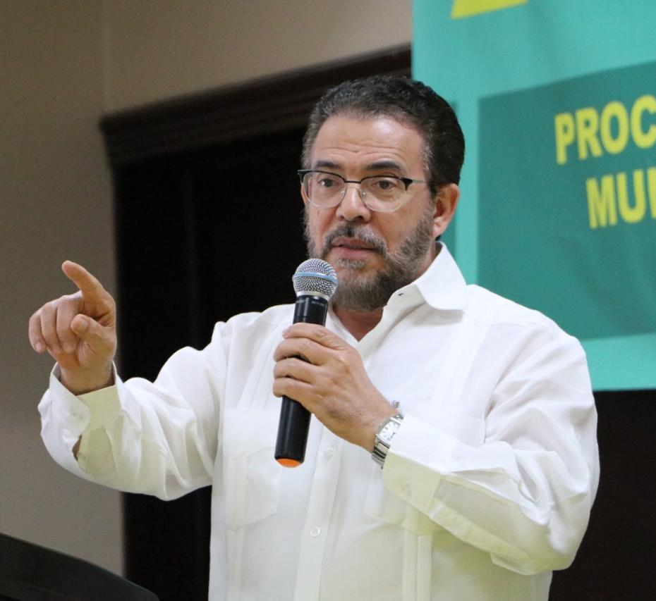 Guillermo Moreno (1) (2)