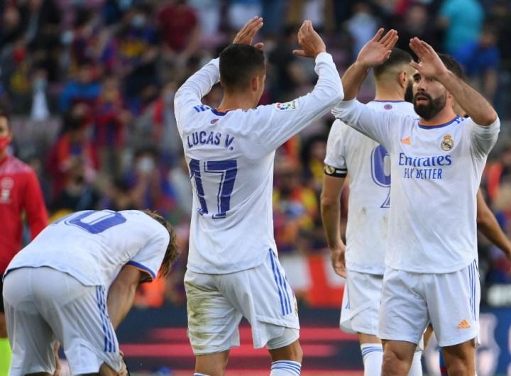 Jugadores del Real Madrid celebran el triunfo.  (Foto: LLUIS GENE / AFP)