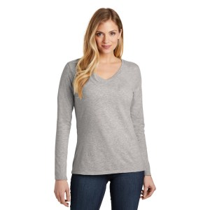 District ® Women's Very Important Tee ® Long Sleeve V-Neck – DT6201