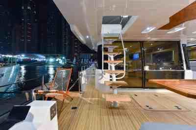 Nomad 55 Electric folding balcony
